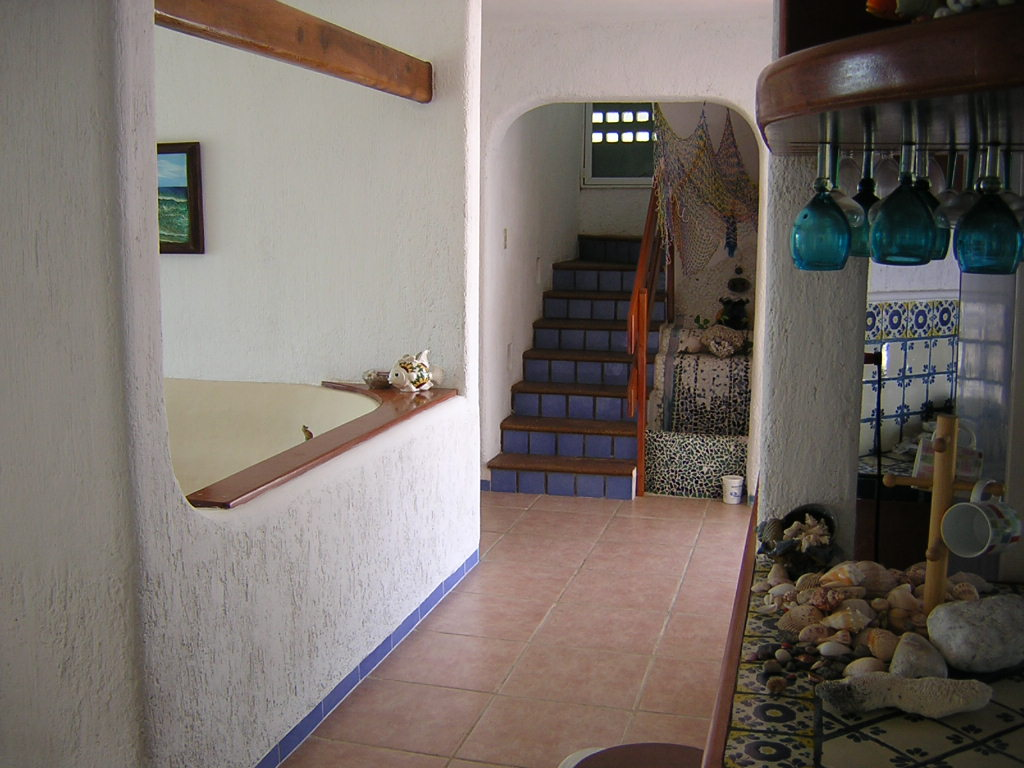 Furnished beach house at San Benito. Stairs