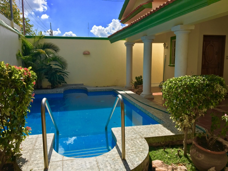 House one floor at Mexico Norte. Pool
