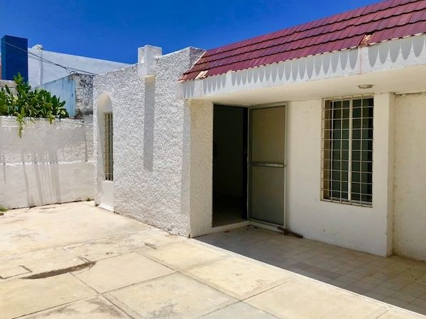 House for sale at Las Aguilas Chuburna (one floor)