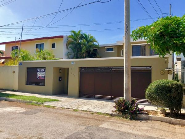 House for rent at Villas del Sol, excellent location