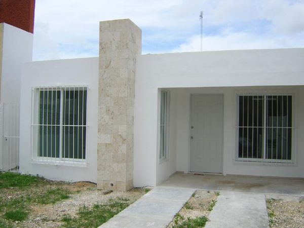 Minimalist house for rent at Aguilas de Chuburna