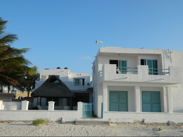 Furnished apartment beach front at Progreso