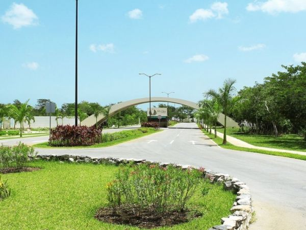 Residential lots for sale at gated community Residencial Phula