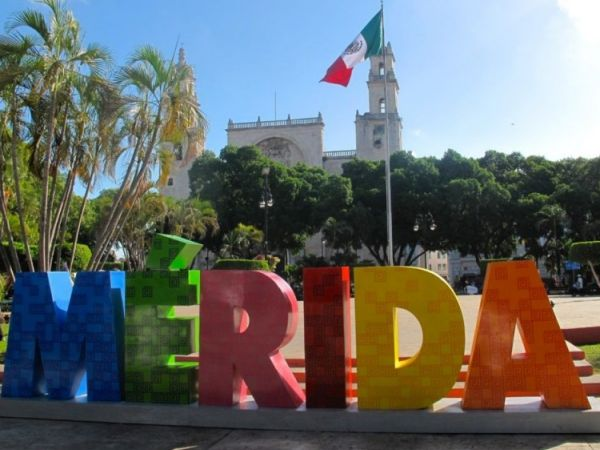 What is the population in Yucatan and in its capital, Merida?