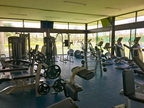 Residential house north of Merida at Parque Natura Residencial. Gym