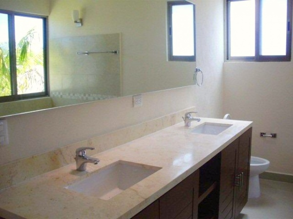Residence for pre-sale at privada residencial Xcanatun (one floor). Bathroom