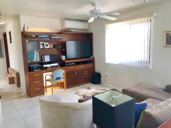Residence in a gated community Club de Golf La Ceiba. Family room