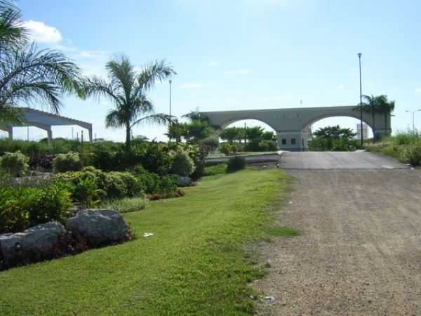 Residential lots at gated community Privada Residencial Xcanatun