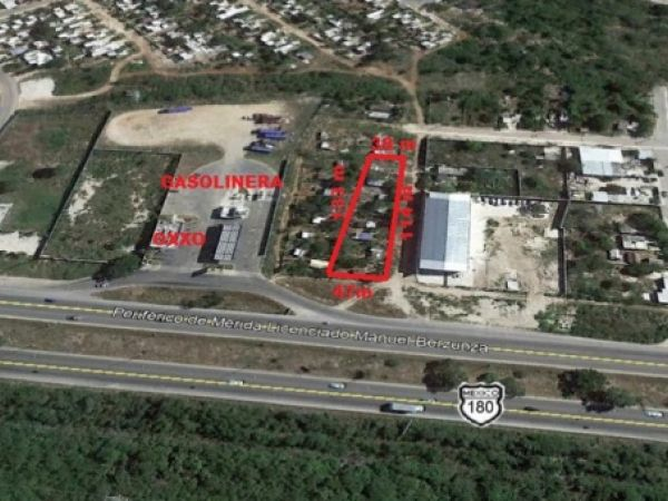 Commercial land at Periferico Sur (corner)