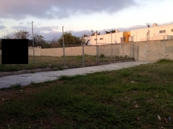 Lot for rent on avenue 7 Xcumpich. Facade