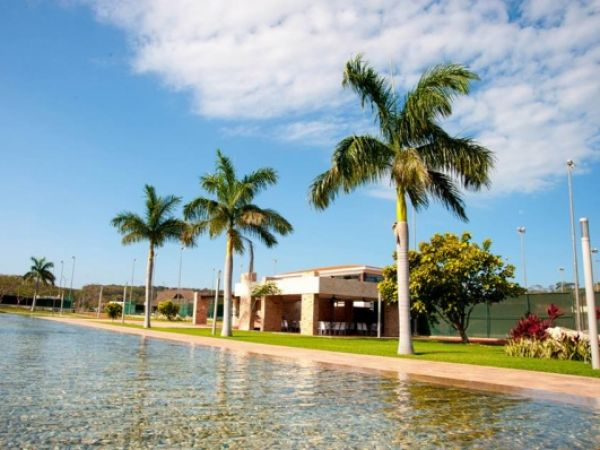 Lot for sale in a gated community Campeche Country Club