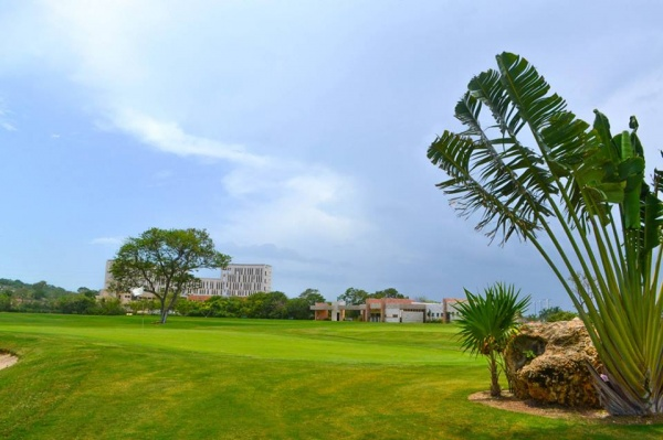 Terreno en venta en Campeche Country Club. Campo de golf