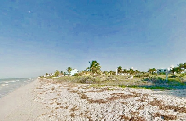Beachfront lot for sale at Telchac Puerto