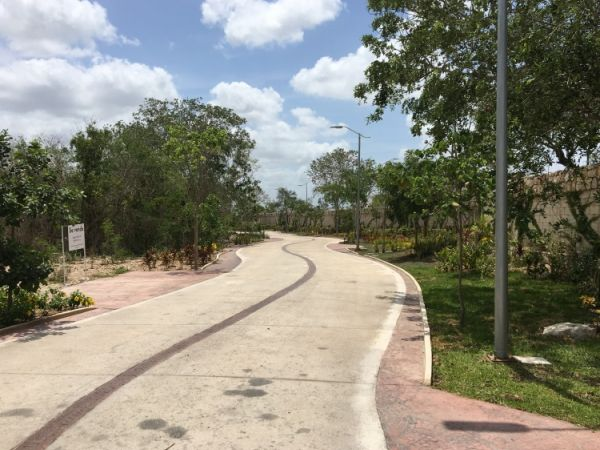 Residential lot at gated community Privada Residencial Altozano