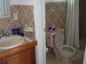 Furnished beach house at San Benito. Bathroom