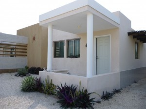Furnished beach house located at Chelem (third row)