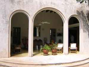 Colonial residence located in Privada Callejones de Chuburna